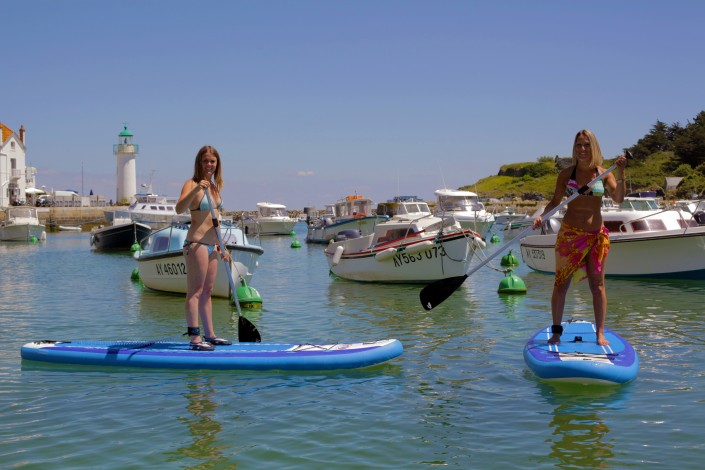 Balade en Stand up paddle dans le port de Sauzon - Belle Ile en Mer