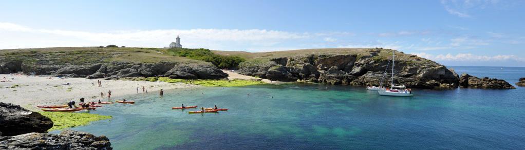 Petite pause sur la plage de la pointe des Poulains avec les kayaks de mer